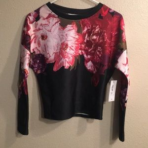 NWT Bisou Bisou Placement Floral XS long sleeve